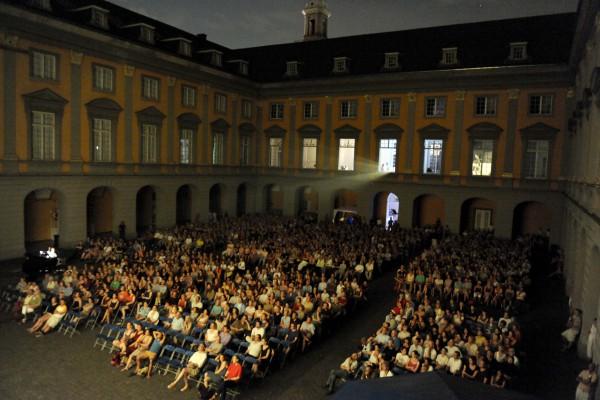 Arkakdenhof bei laufender VorführungFoto: Thilo Beu, Bonn